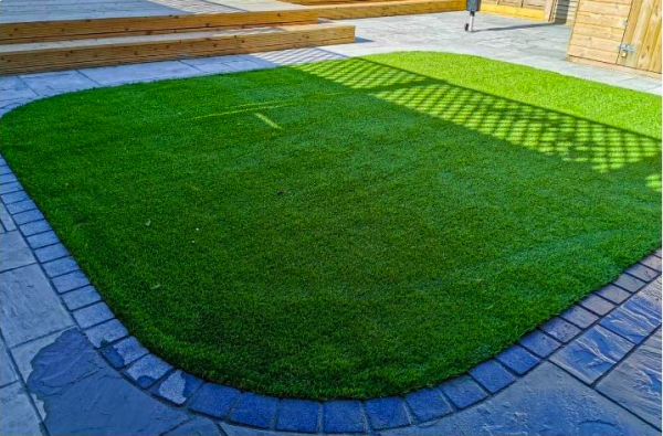 Artificial Grass and Your Pet
